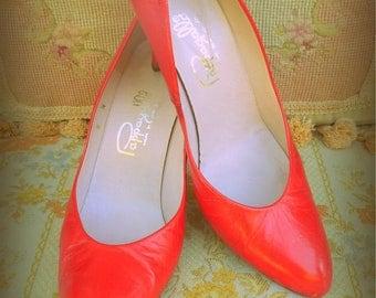 Lipstick red high heel vintage Pappagallo  pumps