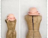 vintage 1960s pink oblong bubble hat