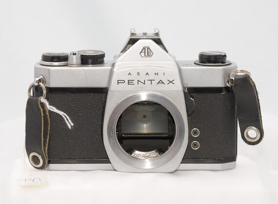 Vintage Pentax Spotmatic SP500 35mm Camera-- Body Only, Tag 943