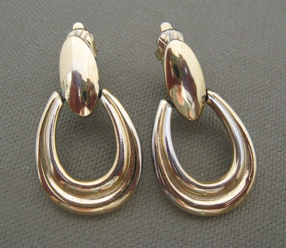 Large Gold Metal Trifari Clip On Earrings