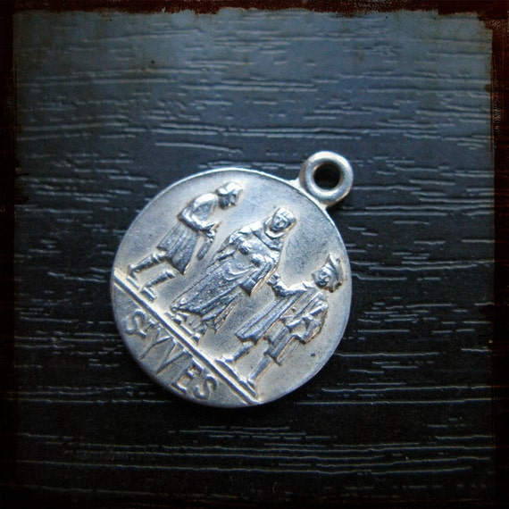 Religious French Silver round Medal with Saint Yves, Patron of Lawyers - St Ivo Brittany vintage jewelry