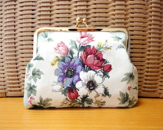 VICTORIAN floral Clutch purse bag