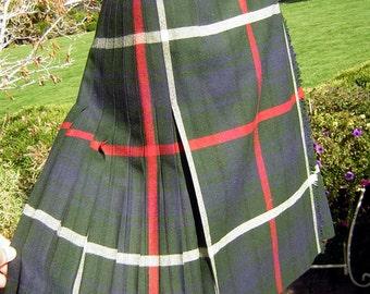 """Scottish Plaid Wool Kilt Skirt - Highland Queen - Dark Green, Navy - Waist 25""""  Vintage 70s"""