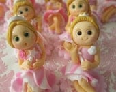 Fashion Dolls Cupcake Toppers (6 Dolls)