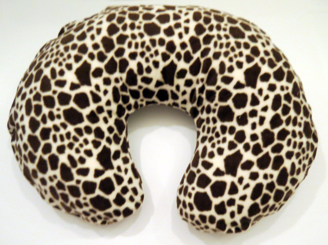 Animal Nursing Pillow : Boppy Nursing Pillow Cover: Giraffe Wild Animal Print