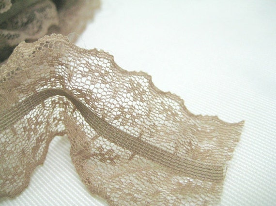 stretch lace 14yards (width 4cm) 37729 beige