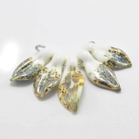 White Leaves : Handmade Lampwork Beads
