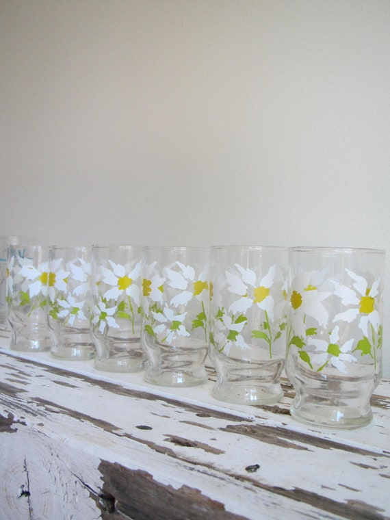 Vintage Matching Daisy Juice Glasses- Set of Six