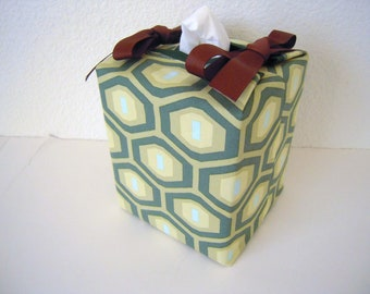 Tissue Box Cover/Green Octagon