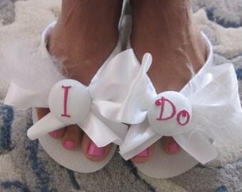 Wedding Flip Flops.Bridal Flip Flops.Platform Flip Flops.Bridal Wedge Flip Flops.Bridal Bowz Flip Flops.Personalized Flip Flops.
