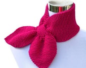 Knit ascot scarf 50s style retro tuck through scarflette vintage inspired neck warmer keyhole scarf in fuchsia pink