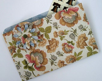 Refrigerator Folder Magnet and Coupon Organizer in Vintage Flowers for Coupons, Photos and Notes