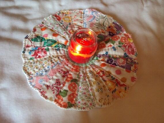 Dresden plate quilt block candle mat, vintage feedsack fabric