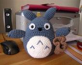 Totoro amigurumi with little bag