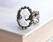 Cameo Ring Black and White Cameo Lady Face Profile Cocktail Ring Vintage Style Jewelry Adjustable Ring Romantic Ring Bronze Brass Filigree
