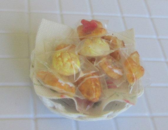 Sweet bread in a basket
