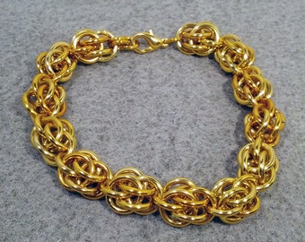 SALE - Gold Sweet Pea Bracelet