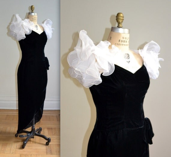 80 Black Velvet Dress with Puff Sleeves// Black 80s Prom Dress Size S/M