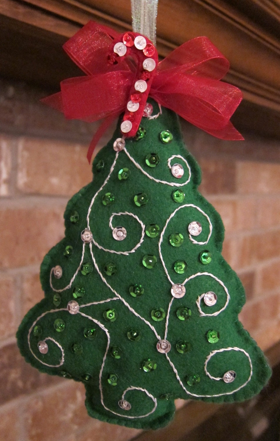 handmade felt christmas tree ornament by beauxtails on etsy. Black Bedroom Furniture Sets. Home Design Ideas