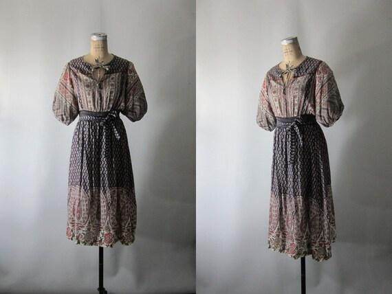Vtg 1970s // Paisley Shade Hippie Dress // Small Medium