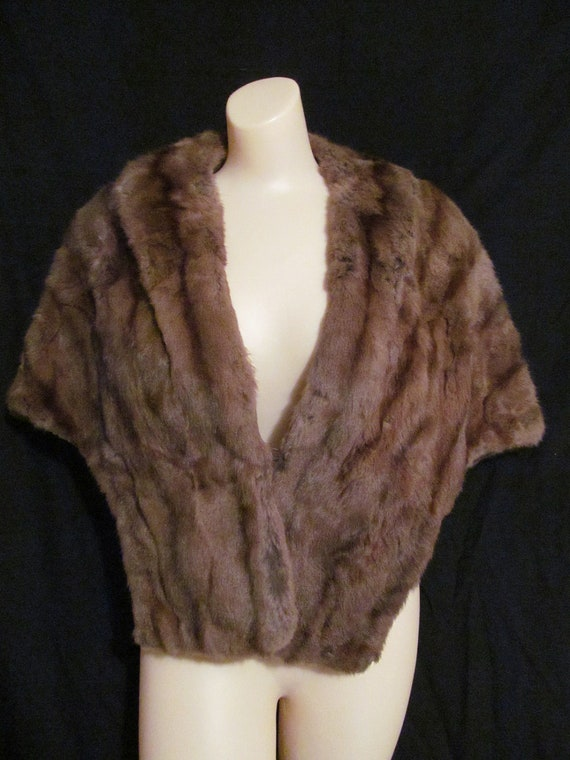 Large 50's stone marten brown real fur bombshell stole cape with pockets