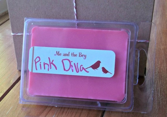 Pink diva Soy break away tart melts  Highly scented. LAST ONE