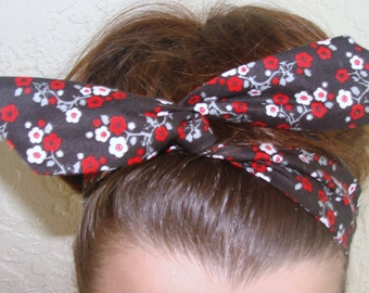 Dolly Bow, Wire Headband Flexible headband White and Red Flowers on Black Rockabilly Pin Up 40's 50's Teen Women Girls Wire Headband