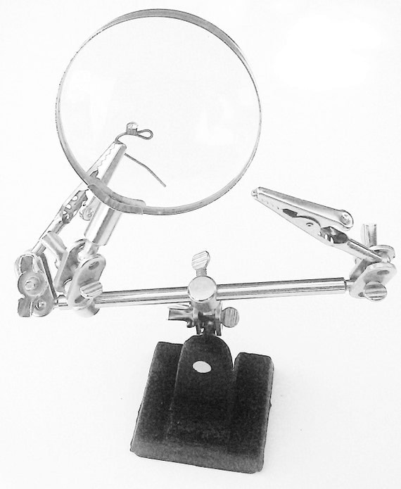 Hands Free weighted Magnifier Great helping hand 4x Magnifier Adjustable arms