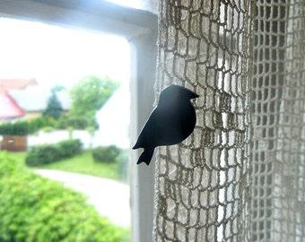 Well-fed bird brooch