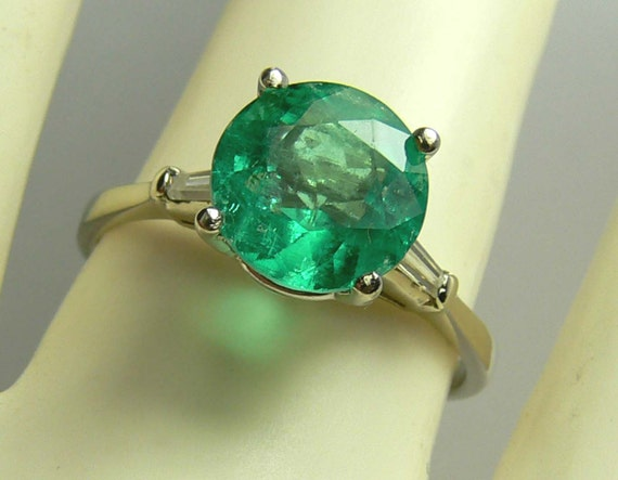 Say YES to the Ring! 2.30tcw  Colombian Emerald & Diamond Solitaire Ring 14k