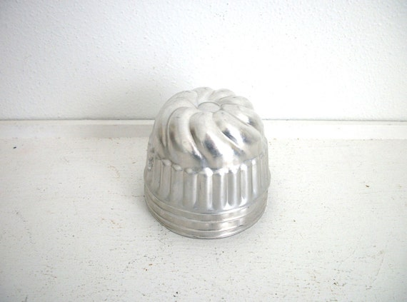 Vintage Swirly Tart Tins- Instant Collection