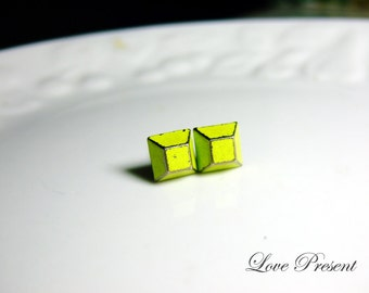 Rock N Roll and Punk Trapezoid earrings stud style - Color Vintage Yellow Patina Verdigris