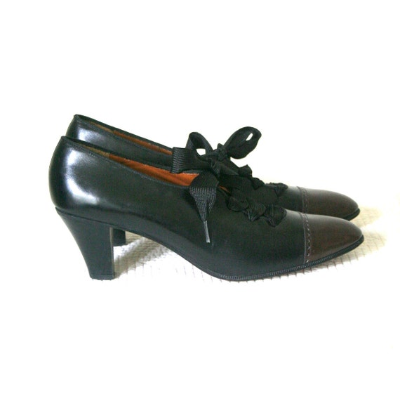 Vintage Spectator Oxford Shoes / Perry Ellis Victorian Witch