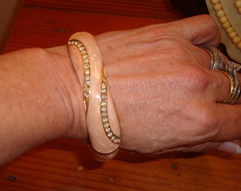 Dazzling Pink/Peach Pearlized ENAMEL W/Sparkling Rhinestones Vintage CLAMPER/Bangle Bracelet