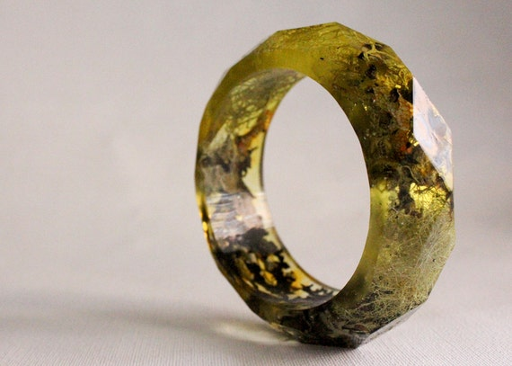 small lichen and moss multifaceted eco resin bangle
