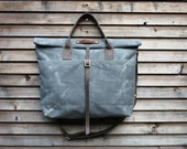 waxed canvas bag carry all / messenger bag with roll to close top, and adjustable shoulderstrap UNISEX