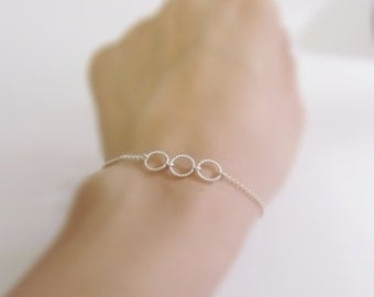 Eternal promise (bracelet) - Three small and dainty twisted sterling silver rings
