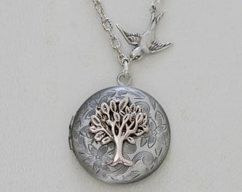 Tree of life,Silver Locket,Locket,Leaf,jewelry gift,Tree,Bird,Antique style Locket,Filigree Leaf,Locket Necklace,Wedding Necklace