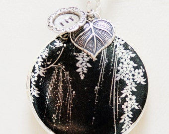 Silver Locket,Photo Locket,Floral,Garden,Leaf,Personalize,Black and White Locket