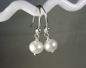 Pearl Bridesmaid Earrings Set of 4 Real Pearl Earrings Sterling Silver Freshwater Pearl Earrings White Bridesmaid Jewelry Bridesmaid Gift