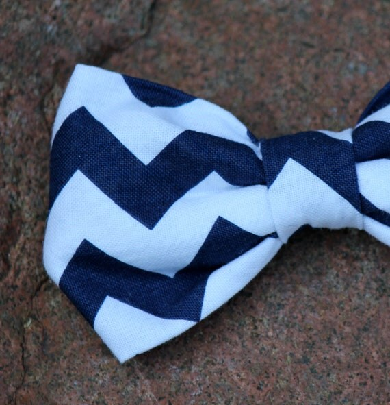 Bow tie in Navy and White Chevron - Clip on