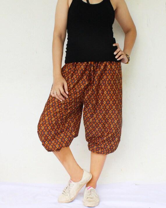 bown and blue sarong very simply harem balloon pants and elastic waist