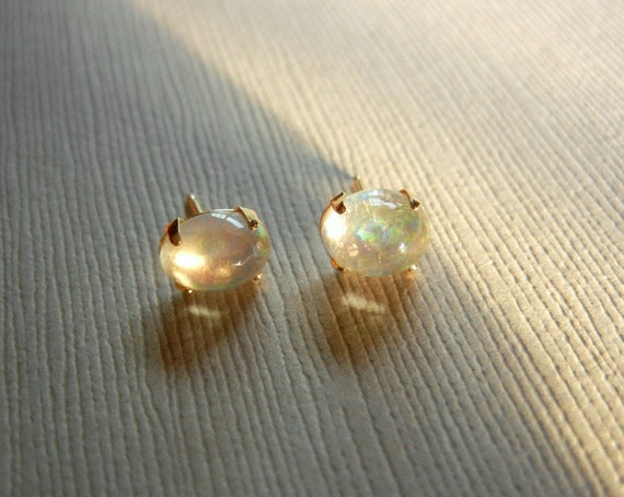Vintage 14K Gold Rainbow Jelly Opal Earrings
