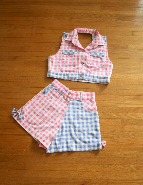 1980s CHECKERED BOW Pink and Periwinkle Shorts and Top Set....size 12 14 kids....xs adults. kids. children. 1980s shorts. 1980s tank top