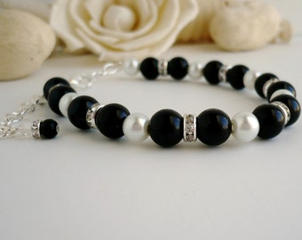 Black and White Bridesmaid Bracelet, Black and White Bridal Bracelet, Black and White Pearls with Rhinestone Spacers at Affordable Price