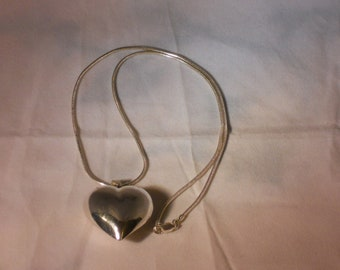 Vintage Sterling silver necklace with Puffy Heart Pendant