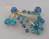 Vintage Rhinestone Flower Brooch 1950s Jewelry Cobalt Sapphire Teal Aqua Blue Gold Tone