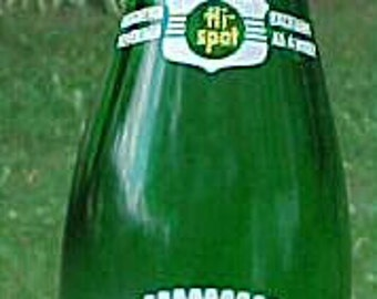1960s Canada Dry Hi Spot Canada Dry Bottling Co. Claremont, N.H. 7 Ounce Green ACL Painted Label Crown Top Soda Bottle