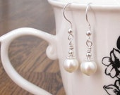 Pearls Earrings, Pearls Dangles, Sterling Silver Earrings, June Birthstone Chakra Jewelry Bridal Wedding Gifts for Her Gemini Cancer Jewerly