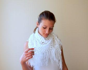White Shawl Granny Lace crochet  wrap, vintage boho style granny triangle fringe shawl wedding bridal  lace festival